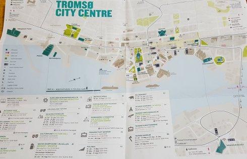 Centrul orasului, harta considera ca si catedrala arctica de peste pod se afla in centru. E totusi mult de mers.
