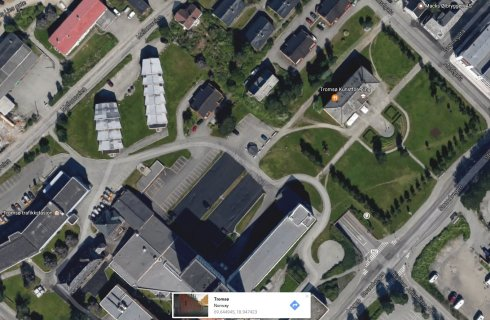 Pentru pasionatii de satelit, dau locul exact unde a fost facuta fotografia anterioara ;)